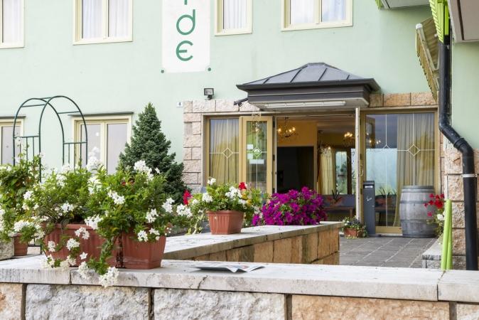 Hotel Costa Verde Montagna