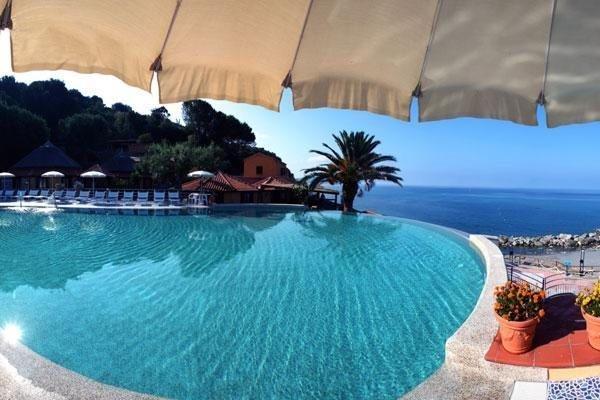 Resort Baia del Silenzio Mare Italia